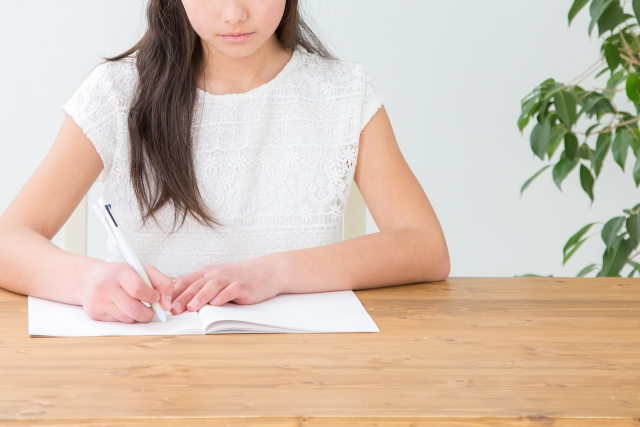 独学で保育士資格を取得する方法